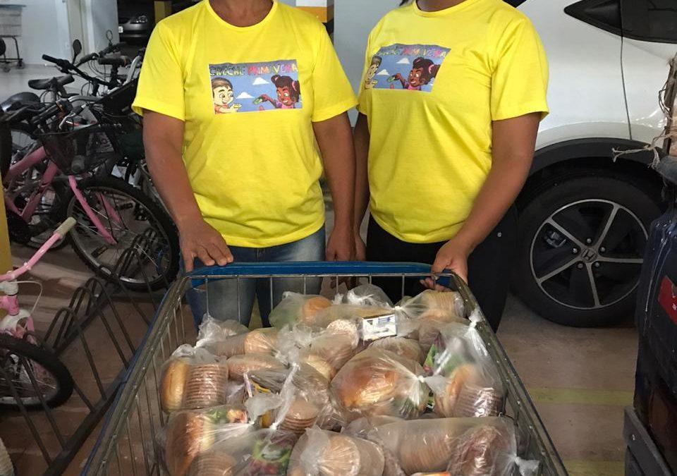 Ações doam alimentos e produtos a moradores de rua, em meio à Covid-19