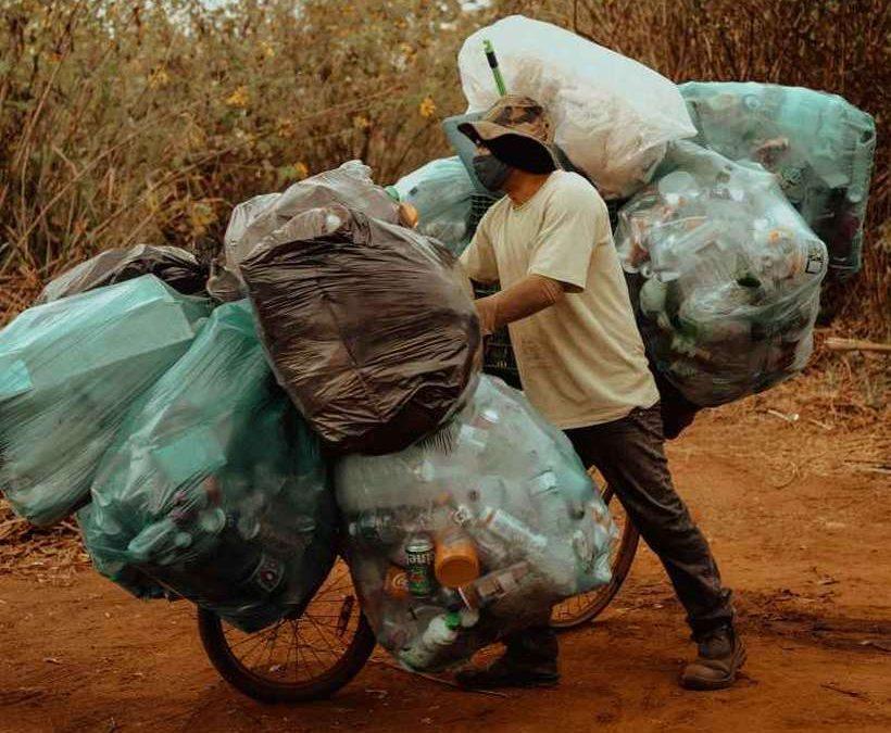 Filme conta a história de catadores de recicláveis da capital federal